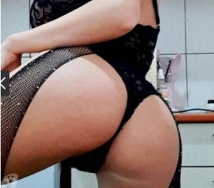 Chanez escort latex Annezin, 62