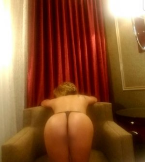 Tyra escort latex au Puy-en-Velay